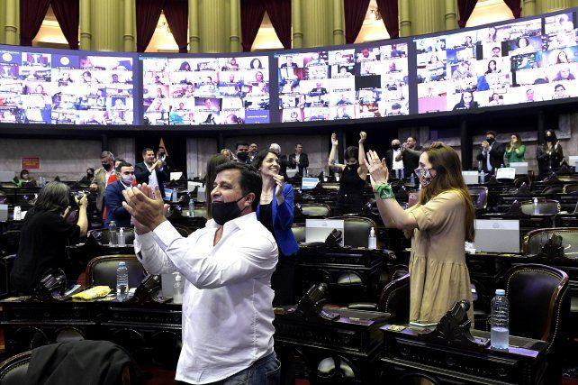 Diputados aprobó el impuesto a la riqueza que impulsa el oficialismo tras una maratónica sesión de 13 h oras.