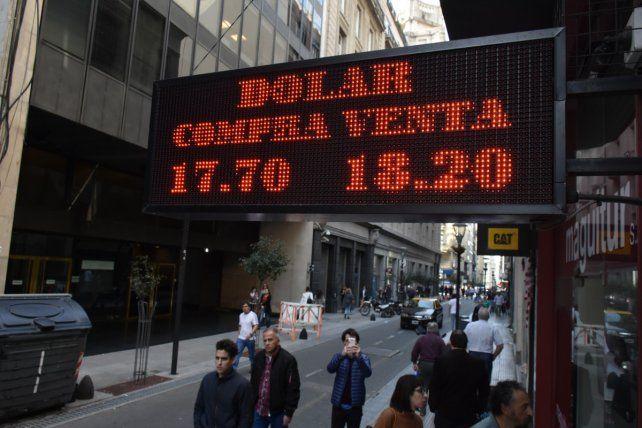 Nerviosismo. En la city porteña el dólar llegó a cotizar a 18