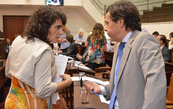 El arco opositor en el Concejo le asestó ayer un duro golpe político a la intendenta Mónica Fein.