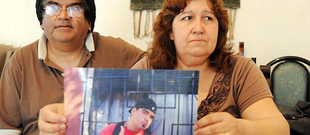 Eduardo y Alicia confían en que la policía encuentre a quienes mataron a su hijo de un puntazo. (Foto: A. Celoria)