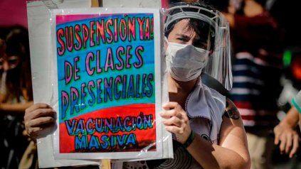 Gremios docentes porteños paran en rechazo al fallo a favor de la presencialidad