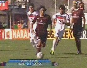 Lanús goleó 3-0 a Tigre y quedó a un paso de la punta