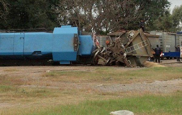 Espectacular accidente ferroviario en San Lorenzo: descarrilló un tren y chocó