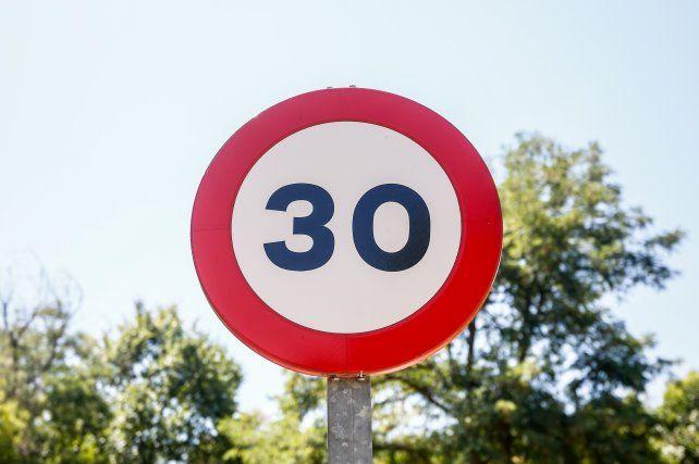 Piden reducir a 30 km/h la velocidad en las calles urbanas del mundo para salvar vidas