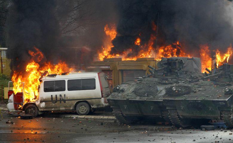 Más de 80 heridos en enfrentamientos entre serbios y efectivos de ONU