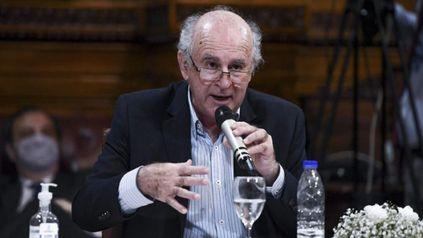 """Este fallo es un simple acto de estricta justicia"""", enfatizó el senador Oscar Parrilli."""