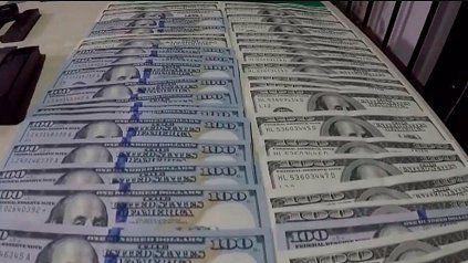 Sube y sube: el dólar libre cerró este lunes a 181 pesos