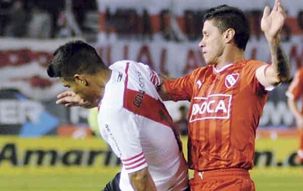 El defensor de Independiente dijo que algunos se encarnizan con un jugador y que quiere revancha.