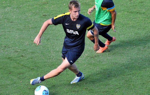 Al medio. Nicolás Colazo le gana la pulseada a Paredes para ingresar por Sánchez Miño.