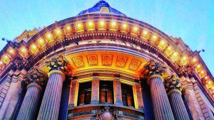 La Luz en la arquitectura. Iluminación artificial y luz material