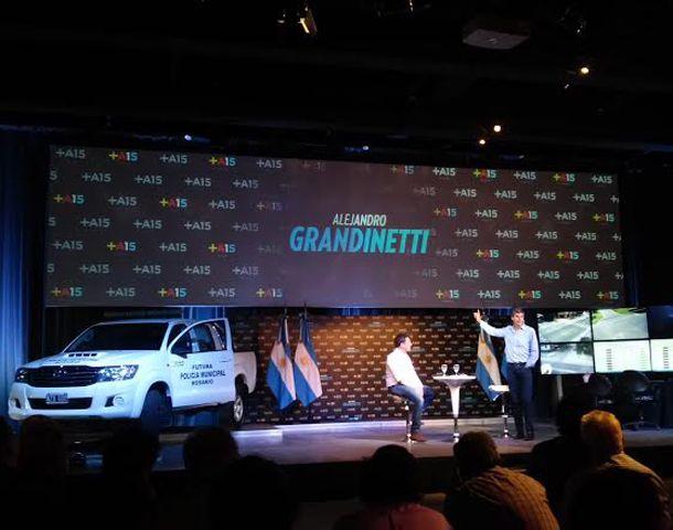 Alejandro Grandinetti se presentó oficialmente como precandidato a intendente por el frente Renovados. (Foto: S. Suárez Meccia)