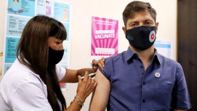 El gobernador de Buenos Aires fue el primer mandatario provincial en vacunarse.