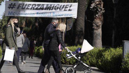 Pasacalle de apoyo a Lifschitz en bulevar Oroño.