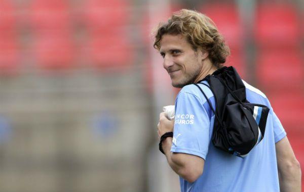 Diego Forlán volvió a entrenar con sus compañeros de la selección argentina.