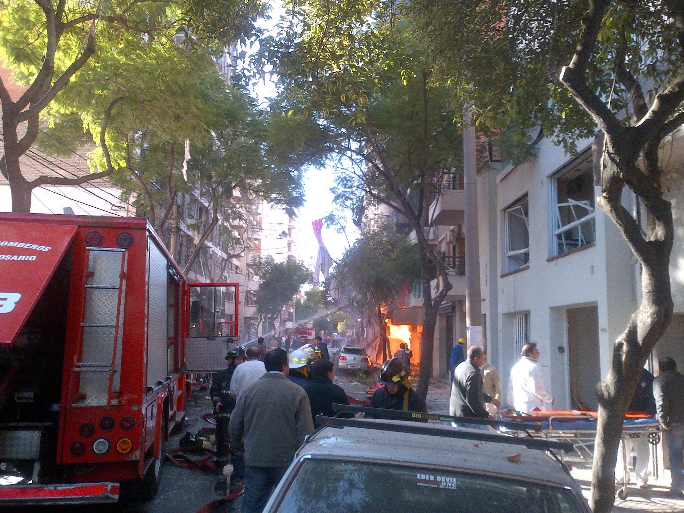 Este mediodía había dos muertos y más de 20 heridos por la tragedia.