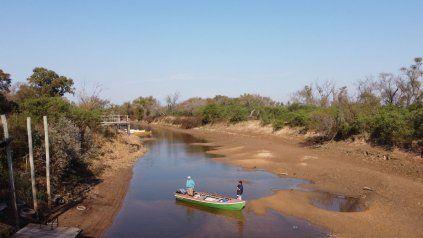 El río Paraná sigue bajando y genera graves inconvenientes en el ecosistema del humedal.