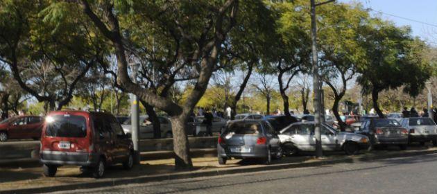 Las infracciones de tránsito registradas durante el fin de semana largo revelaron la falta de controles municipales en la ciudad (Foto: V. Benedetto).