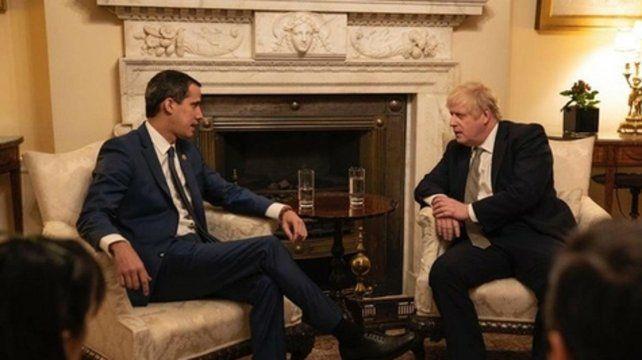 Londres. El líder opositor venezolano y el primer ministro británico.