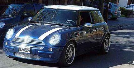 Si te sobran 120.000 pesos ya podés comprarte un Mini Cooper en Rosario