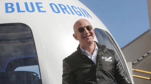 El fundador de Amazon viajará al espacio en poco más de un mes