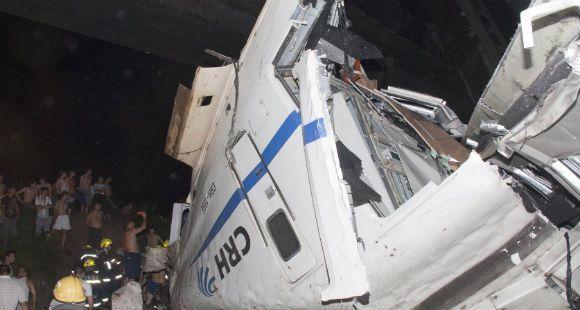 Al menos once muertos al chocar dos trenes de alta velocidad en China