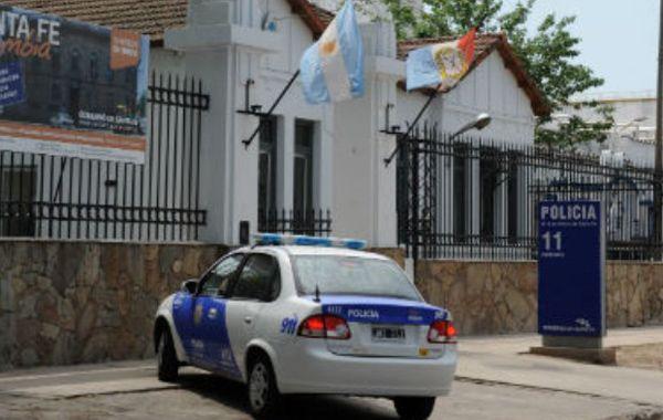 La propietaria de la mueblería asaltada radicó la denuncia en la seccional 11ª de policía.