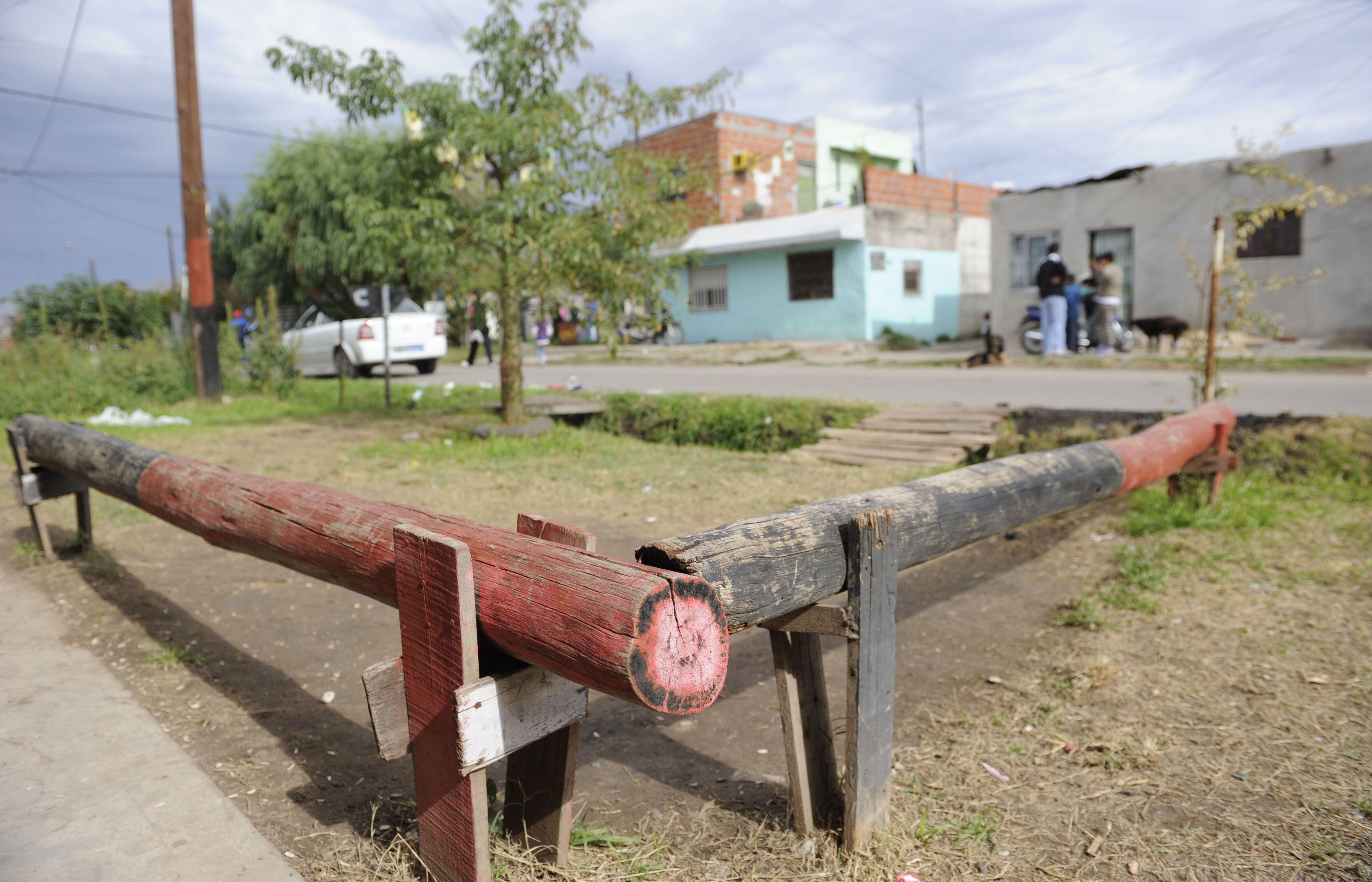 El pibe de 16 años que murió hoy en el Heca fue baleado en una esquina del sudoeste rosarino. (Foto: H.Rio)