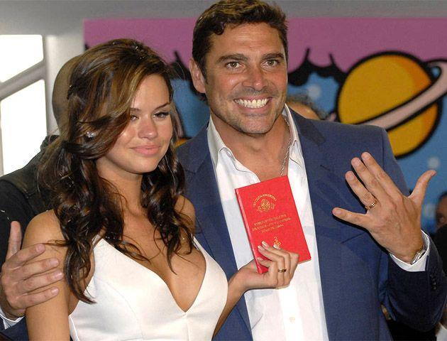 Hacìa un mes que el actor pasó por el Registro Civil para formalizar su relación con la joven de 23 años.