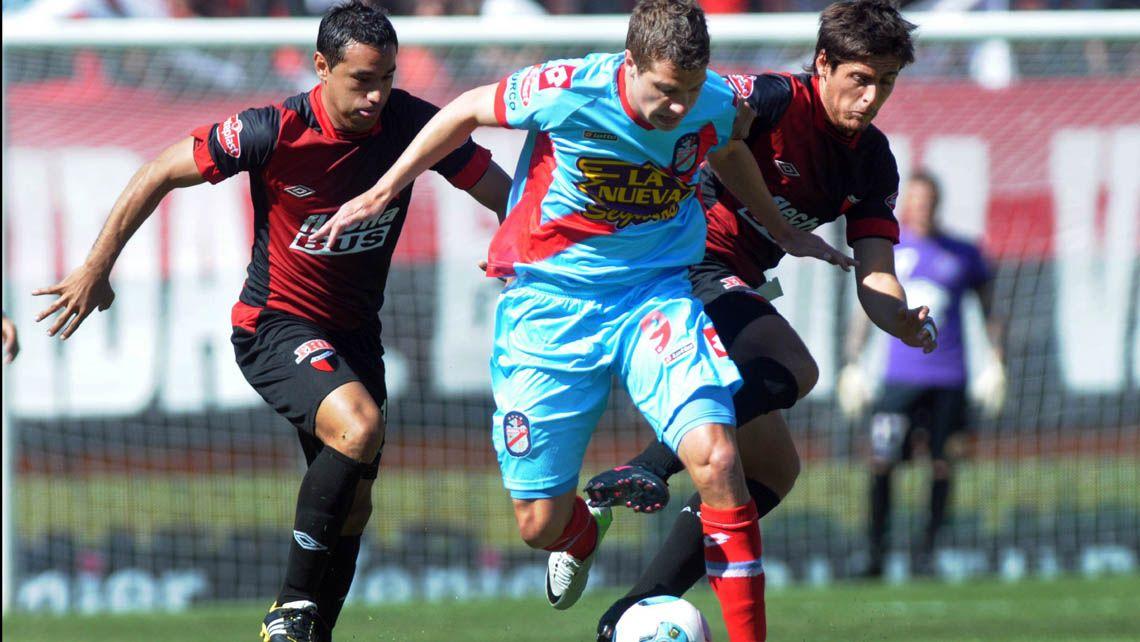Colón cayó contra Arsenal pero seguirá siendo el lider del torneo Final