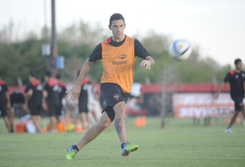 Maximiliano Rodríguez es el máximo artillero leproso con 4 goles.