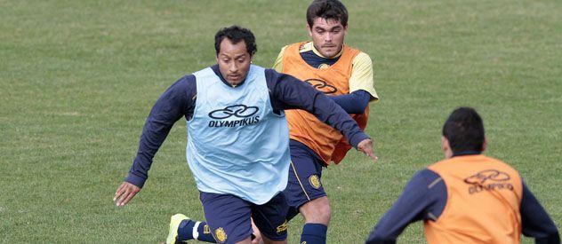 Vuelve el Sapito. Hernán Encina será el nexo con los delanteros.