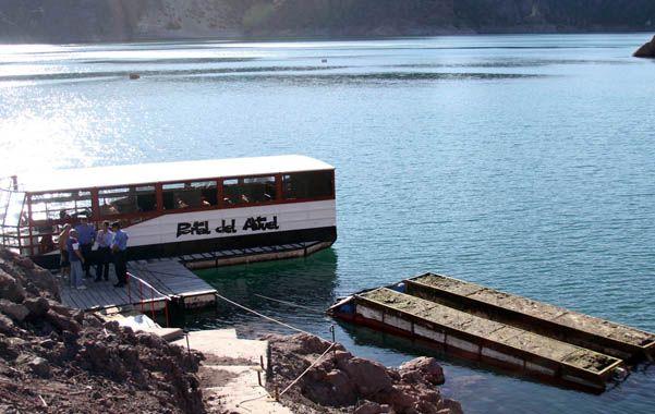 Antes de zarpar. Así quedó la embarcación que había abordado el contingente del Colegio Latinoamericano.