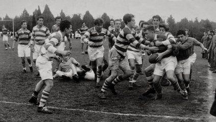 Imagen de un partido disputado entre el Jockey Club y Belgrano Athletic en el Country, a fines de la década del 50