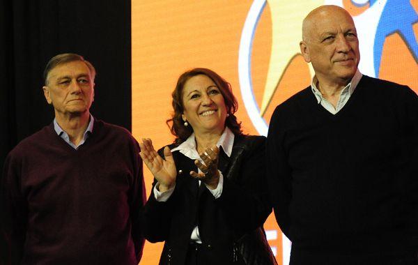 El gobernador junto a Hermes Binner y Mónica Fein. (Foto:F.Guillën)