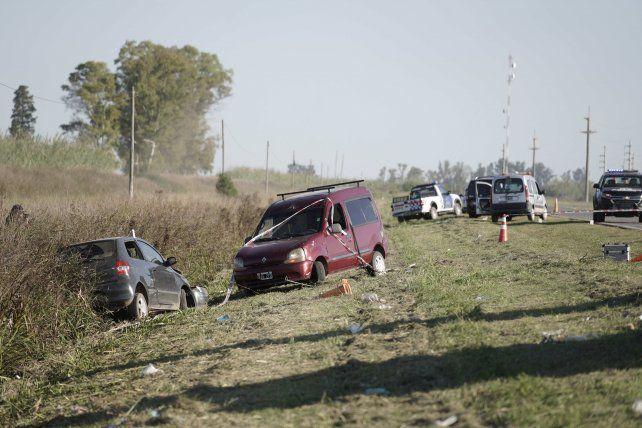 La emboscada terminó con los dos vehículos atacados sobre un zanjón a la vera de la ruta 14.