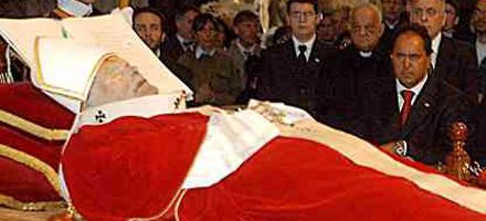 Podrían trasladar el cuerpo de Juan Pablo II a la Basílica de San Pedro