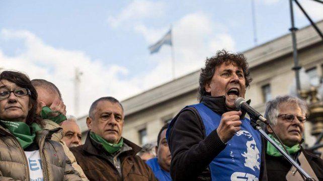 Gremios advierten sobre la corrida del dólar y celebran el triunfo de Fernández