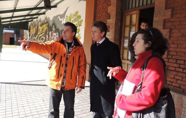 Horacio Ghirardiy el intendente José Pedretti recorrieron