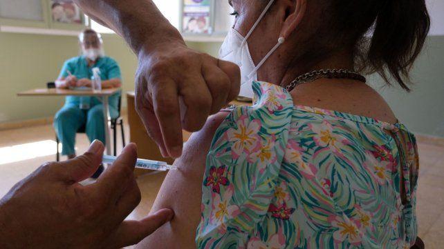 Hubo 10.843 nuevos contagios de coronavirus en Argentina y 182 muertes