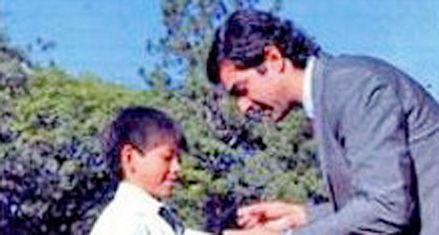 En Salta repartieron un manual escolar con la cara del gobernador