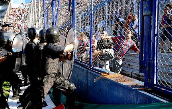Avanza el proyecto para combatir la violencia y a los barras en el fútbol argentino