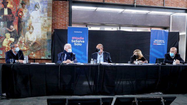 Reunión de Javkin y Perotti con González García en el Galpón 13.