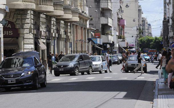Los comerciantes denunciaron una ola de robos en calle San Luis. (Foto: S. Salinas)