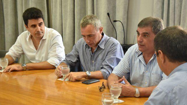 Avanzan en el Concejo dos iniciativas por el compre local por parte del municipio