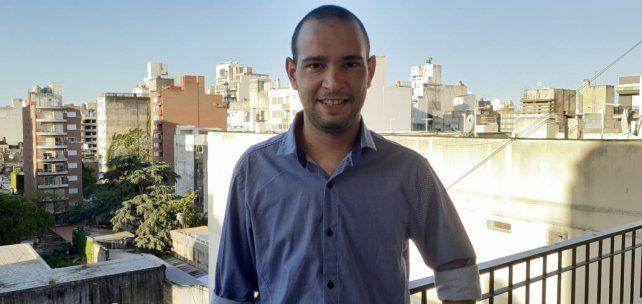 Emiliano Confaloneri tiene 27