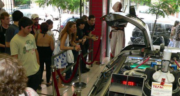 El famoso Delorean de Volver al futuro está en Rosario