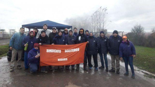 Huelga regional de los trabajadores aceiteros por despidos en Bío Ramallo