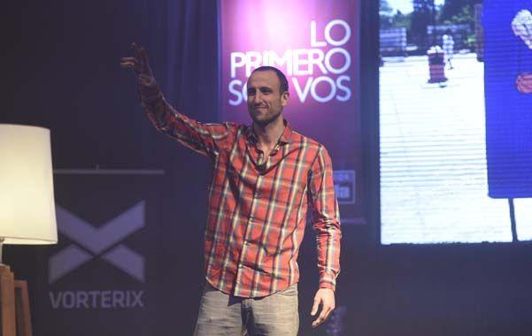 Estrella. Manu tendió su mano mágica al numeroso público que fue a verlo al teatro Vorterix.