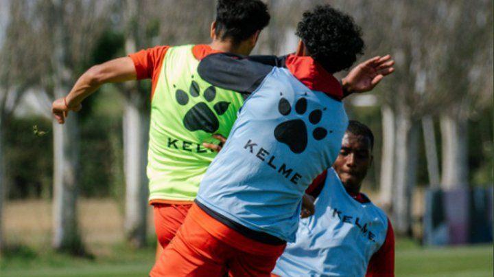 Colón trabaja en doble turno y con el equipo casi confirmado.