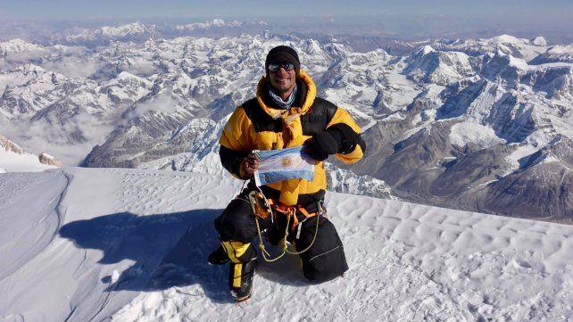 Cima. Juan Pablo logró hace seis días desplegar la bandera argentina arriba del Kanchenjunga